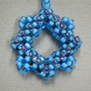 Cubed Right Angle Weave Pendant: An Introduction to CRAW