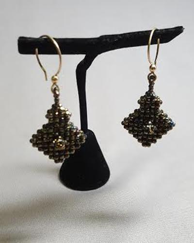 cubed-right-angle-weave_earrings_spinel_Beadolgoy-Iowa