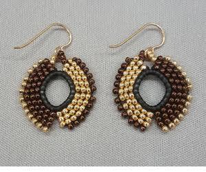 flip-it_brick-stitch-earrings_Beadology-Iowa