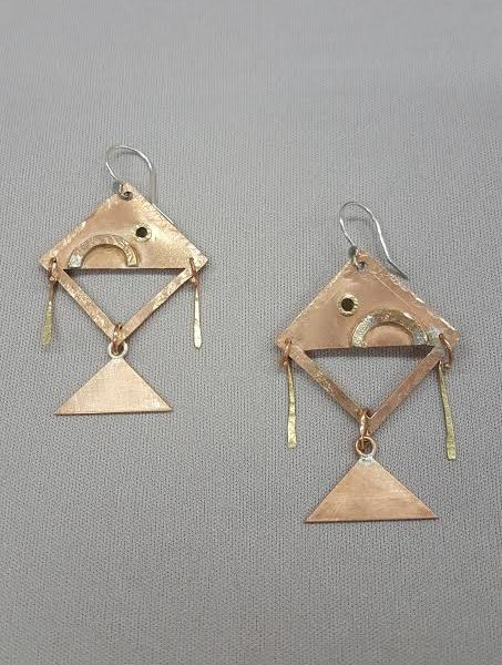 Kelly-Kinser_Earrings-in-Motion_Beadology-Iowa