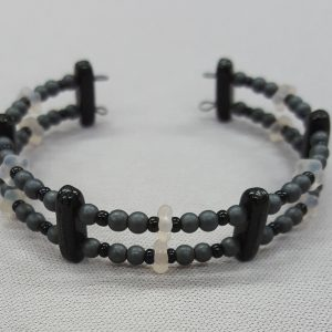 Memory-Wire-Bracelet_Beadology_Iowa