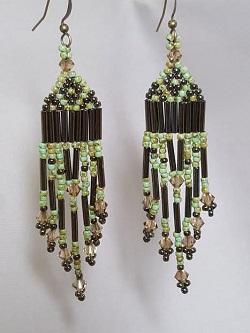 brick-stitch-earrings-with-fringe_Beadology-Iowa