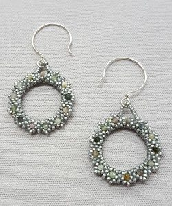 Gemstone-circle-earrings_peyote_Beadology-Iowa