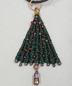 Marilyn-Moore_twined-tree_Beadology-Iowa