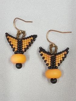 winged-earrings-peyote_Beadology-Iowa