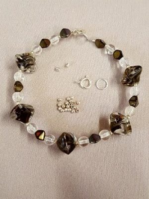 Black Swirl and Clear Bead Bracelet Kit